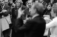Bertrand  Delanoë (maire de Paris de 2001 à 2014) donne un compte-rendu de son mandat, Paris 11ème / 2004.