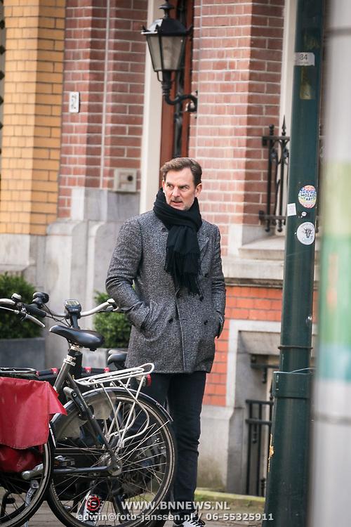 NLD/Amsterdam//20190209 - Ronald de Boer aan het wachten op zijn afspraak
