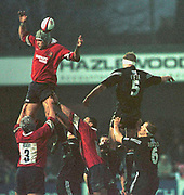 Gloucester, Gloucestershire, UK., 23rd December 2000,  Kingsholm Stadium, Zurich Premiership Rugby, Gloucester Rugby vs Newcastle Falcon, <br /> <br /> Phil VICKERY in the line out, <br /> [Mandatory Credit: Peter Spurrier/Intersport Images],
