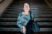 20181028/ Javier Calvelo - adhocFOTOS/ URUGUAY/ MONTEVIDEO/ 18 de Julio - CINEMATECA 18/ Proyecto documental sobre el ultimo mes de funciones en la vieja y tradicional infraestructura de salas de la Cinemateca Uruguaya. Cinemateca Uruguaya es una filmoteca uruguaya con sede en Montevideo, Uruguay, fundada el 21 de abril de 1952. Es una asociación civil sin fines de lucro cuyo objetivo es contribuir al desarrollo de la cultura cinematográfica y artística en general.<br /> Trabajan en esta sala: Eugenia Assanelli y Mónica Gorriarán en boleteria atencion de publico.  Alejandro Lasarga proyeccionista, y tambien en boletería Gustavo Gutiérrez. <br /> En la foto:  Elvira, socia de Cinemateca, en Cinemateca 18. Foto: Javier Calvelo/ adhocFOTOS