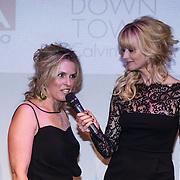 NLD/Amsterdam/20131111 - Beau Monde Awards 2013, Dolly van den Akker en Daphne Deckers