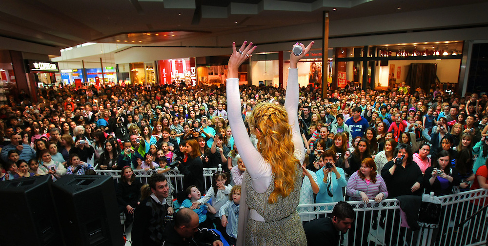 Fans turn out to see Delta Goodrems at Westfield Plenty Valley to promote her new single, ëI Canít Break It To My Heartí.  Pic By Craig Sillitoe  16/08/2008 SPECIALX 000 melbourne photographers, commercial photographers, industrial photographers, corporate photographer, architectural photographers, This photograph can be used for non commercial uses with attribution. Credit: Craig Sillitoe Photography / http://www.csillitoe.com<br /> <br /> It is protected under the Creative Commons Attribution-NonCommercial-ShareAlike 4.0 International License. To view a copy of this license, visit http://creativecommons.org/licenses/by-nc-sa/4.0/.