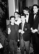 Dana Brown with Graydon Carter's children. Vanity Fair Oscar night party. Hollywood. 1995. © Copyright Photograph by Dafydd Jones 66 Stockwell Park Rd. London SW9 0DA Tel 020 7733 0108 www.dafjones.com