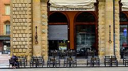Tables outside a cafe in the Piazza Maggiore, Bologna, Italy<br /> <br /> (c) Andrew Wilson | Edinburgh Elite media