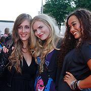 NLD/Utrecht/20100903 - Premiere Queen musical We Will Rock You, Elisah van der Meyden en vriendinnen
