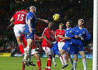 Fotball<br /> Premier League 2004/05<br /> Charlton v Everton<br /> 28. desember 2004<br /> Foto: Digitalsport<br /> NORWAY ONLY<br /> Charlton Athletic's Talal El Karkouri (far left) scores the opening goal ahead of Everton's Lee Carsley
