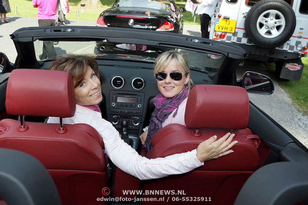 NLD/Amsterdam/20080910 - Beau Monde Rally 2008, Suze Mens en haar moeder Suze