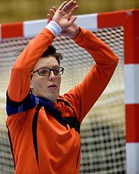 19-12-2015 DEN: World Championships Handball 2015 Training Oranje, Herning<br /> Na een rustige training werd er een persmoment gehouden / Marieke van der Wal #1
