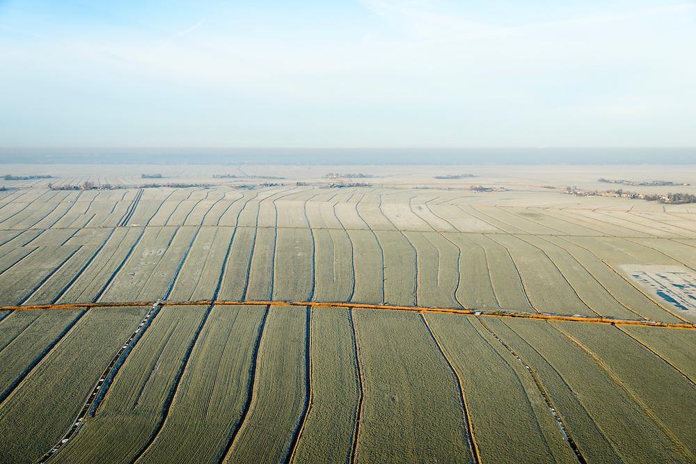 Nederland, Utrecht, Gemeente Bunschoten, 18-01-2016; Bikkerspolder, ten westen van Spakenburg. Nationaal landschap Arkemheen-Eemland, een van de laatste open veenweide landschappen in de Noordoostelijke Randstad. Polders tussen Bunschoten-Spakenburg en Eemnes, <br /> One of the last open peatland landscapes with polders in Northeastern Randstad (north of Utrecht).<br /> luchtfoto (toeslag op standard tarieven);<br /> aerial photo (additional fee required);<br /> copyright foto/photo Siebe Swart