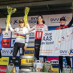 2019-12-27 Cycling: dvv verzekeringen trofee: Loenhout: Ceylin Alvarado wins the Azencross ahead of Sanne Cant and Annemarie Worst