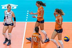 20-10-2018 JPN: Final World Championship Volleyball Women day 18, Yokohama<br /> China - Netherlands 3-0 / Kirsten Knip #1 of Netherlands, Anne Buijs #11 of Netherlands, Nicole Koolhaas #22 of Netherlands