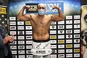 BOXEN: EC Boxing, Schwergewicht, Hamburg, 31.10.2020<br /> Waage: Viktor Faust - Yakub Saglam<br /> © Torsten Helmke