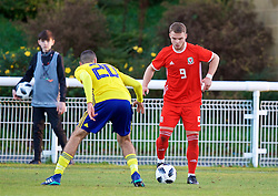 BANGOR, WALES - Saturday, November 17, 2018: Wales' Daniel Griffiths during the UEFA Under-19 Championship 2019 Qualifying Group 4 match between Sweden and Wales at the Nantporth Stadium. Aiham Ousou (Pic by Paul Greenwood/Propaganda)