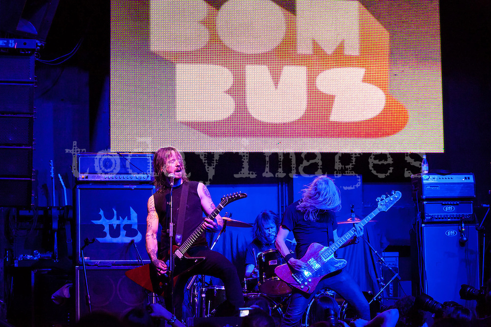 Bombus performing  at the  Arena  Club in Madrid
