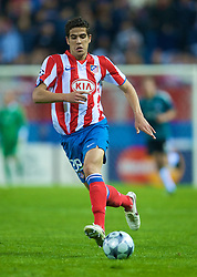 MADRID, SPAIN - Wednesday, October 22, 2008: Club Atletico de Madrid's Alvaro Dominguez in action against Liverpool during the UEFA Champions League Group D match at the Vicente Calderon. (Photo by David Rawcliffe/Propaganda)