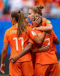 15-06-2019 FRA: Netherlands - Cameroon, Valenciennes<br /> FIFA Women's World Cup France group E match between Netherlands and Cameroon at Stade du Hainaut / Vivianne Miedema #9 of the Netherlands scores 1-0, Lieke Martens #11 of the Netherlands, Shanice van de Sanden #7 of the Netherlands