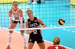 27-09-2015 NED: Volleyball European Championship Nederland - Polen, Apeldoorn<br /> Nederland verslaat Polen met 3-1 / Maret Balkestein-Grothues #6