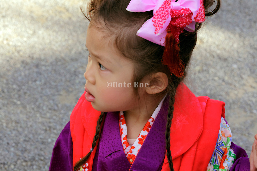 casual portrait of child in kimono during her Shichi Go San celebration