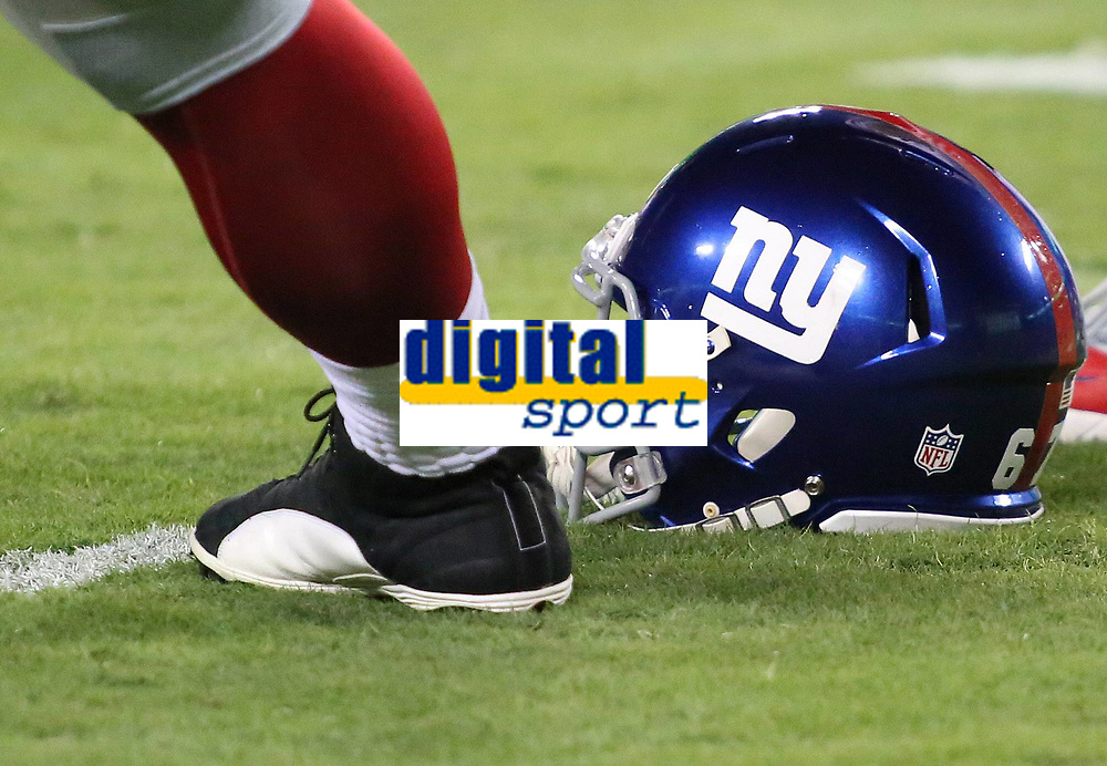 September 25, 2014: A view of a Giants helmet on display during a match between the Washington Redskins and the New York Giants at FedEx Field in Landover, Maryland. NFL American Football Herren USA SEP 25 Giants at Redskins PUBLICATIONxINxGERxSUIxAUTxHUNxRUSxSWExNORxONLY Icon140925108<br /> <br /> September 25 2014 A View of A Giants Helmet ON Display during A Match between The Washington Redskins and The New York Giants AT FedEx Field in Landover Maryland NFL American Football men USA Sep 25 Giants AT Redskins PUBLICATIONxINxGERxSUIxAUTxHUNxRUSxSWExNORxONLY