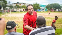 Dr. Thiago Duarte durante a a inauguração da denominação da Praça Edmilson Claudinei Pereira da Silva, na Restinga. FOTO: Jefferson Bernardes/ Agência Preview