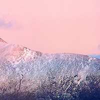 Macgillycuddy's Reeks with view on Carrauntoohil, covered with snow, County Kerry, Ireland / ba020