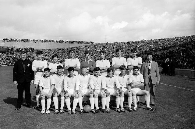 The Sligo team before the All Ireland Minor Gaelic Football Final Sligo v. Cork in Croke Park on the 22nd September 1968. Cork 3-5, Sligo 1-10.