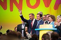 DEU, Deutschland, Germany, Berlin,12.05.2018: FDP-Parteichef Christian Lindner mit Martin Hagen, Spitzenkandidat der FDP für die Landtagswahl in Bayern, beim 69. Bundesparteitag der Freien Demokratischen Partei (FDP) in der Station.