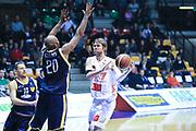 DESCRIZIONE : Desio Lega A 2012-13 EA7Emporio Armani Milano  Sutor Montegranaro<br /> GIOCATORE : Wallace Charles Judson<br /> CATEGORIA : Palleggio<br /> SQUADRA : EA7 Emporio Armani Milano<br /> EVENTO : Campionato Lega A 2013-2014<br /> GARA : EA7Emporio Armani Milano Sutor Montegranaro  <br /> DATA : 08/12/2013<br /> SPORT : Pallacanestro <br /> AUTORE : Agenzia Ciamillo-Castoria/I.Mancini<br /> Galleria : Lega Basket A 2013-2014  <br /> Fotonotizia : Desio Lega A 2013-2014 EA7Emporio Armani  Milano Sutor Motegranaro<br /> Predefinita :
