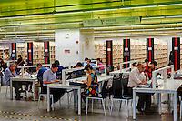 Chine, Guangdong, Guangzhou ou Canton, ville nouvelle de Zhujiang, la nouvelle bibliotheque // China, Guangdong province, Guangzhou or Canton, Zhujiang new city, the new public library