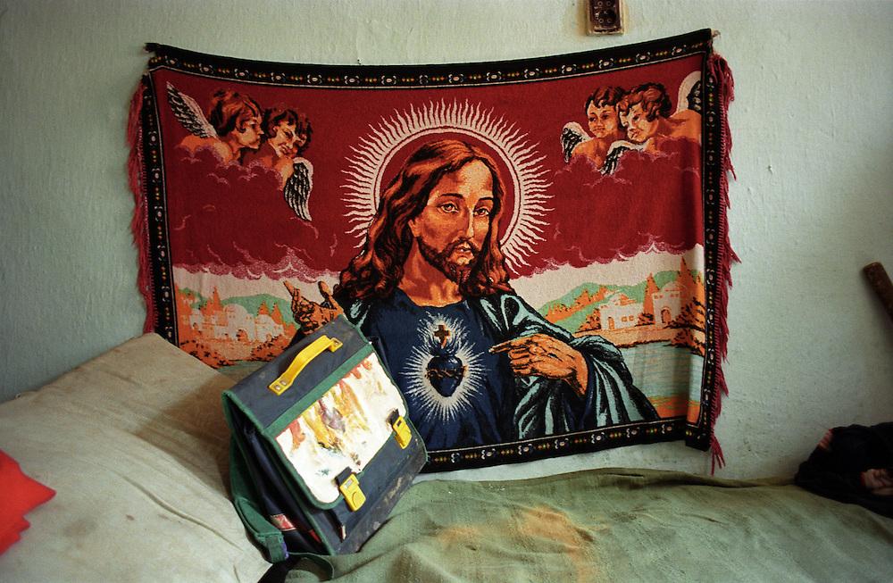 Jarovnice/Slovak Republic, Slovakia, SVK, 06.08.2003: Inside a house in JAROVNICE - the biggest Roma settlement in eastern Slovakia.