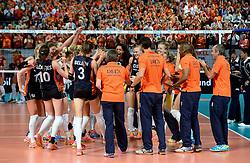 27-09-2015 NED: Volleyball European Championship Nederland - Polen, Apeldoorn<br /> Nederland verslaat Polen met 3-1 / Vreugde bij Oranje