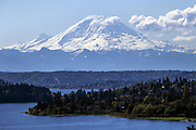 Unobstructed view of Mount Rainier on a clear day. (Bettina Hansen / The Seattle Times)