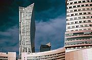 Wieżowiec z mieszkalnymi apartamentami na ulicy Złotej 44 w Warszawie, Polska<br /> Apartment tower with residential apartments on Złota 44 street in Warsaw, Poland