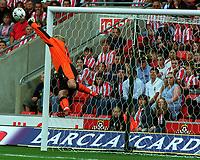 Fotball. Premier League. 21.09.2002.<br /> Southampton v Charlton.<br /> Antti Niemi, Southampton.<br /> Debutant.<br /> Foto: Andrew Cowie, Digitalsport