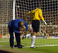 Picture: Henry Browne.Digitalsport<br /> Date: 14/08/2004.<br /> Arsenal v PSV Eindhoven Champions League.<br /> <br /> PSV keeper Edwin Zoetebier has his studs checked as he kept falling over.