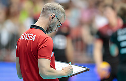 09.06.2017, TipsArena, Linz, AUT, FIVB, World League, Österreich vs Deutschland, Division III, Gruppe C, Herren, im Bild Trainer Michael Warm (AUT) // during the men's FIVB, Volleyball World League, Division III, Group C match between Austria and Germany at the TipsArena in Linz, Austria on 2017/06/09. EXPA Pictures © 2017, PhotoCredit: EXPA/ JFK