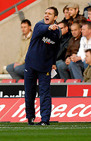 Photo: Alan Crowhurst.<br />Southampton v Norwich City. Coca Cola Championship. 16/12/2006. Norwich coach Peter Grant gives the orders.