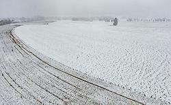 THEMENBILD - Landwirtschaftliche Felder mit Schnee bedeckt, aufgenommen am 05. Mai 2019 in Kaprun, Oesterreich // Agricultural meadows covered with snow in Kaprun, Austria on 2019/05/05. EXPA Pictures © 2019, PhotoCredit: EXPA/ JFK