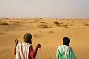 Tuareg men in the desert around Timbuktu, Mali.