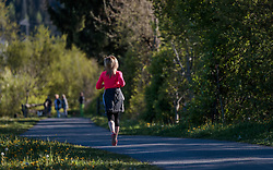 THEMENBILD - eine Frau beim joggen, aufgenommen am 10. Mai 2017, Kaprun, Österreich // A woman jogging at Kaprun, Austria on 2017/05/10. EXPA Pictures © 2017, PhotoCredit: EXPA/ JFK