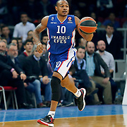 Anadolu Efes's Dontaye Draper during their Turkish Airlines Euroleague Basketball PlayOffs Round 3 match Anadolu Efes between Real Madrid at Abdi ipekci arena in Istanbul, Turkey, Tuesday April 21, 2015. Photo by Aykut AKICI/TURKPIX
