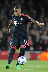 20.10.2015, Emirates Stadium, London, ENG, UEFA CL, FC Arsenal vs FC Bayern Muenchen, Gruppe F, im Bild Jerome Boateng #17 (FC Bayern Muenchen) // during UEFA Champions League group F match between Arsenal FC and FC Bayern Munich at the Emirates Stadium in London, Great Britain on 2015/10/20. EXPA Pictures © 2015, PhotoCredit: EXPA/ Eibner-Pressefoto/ Kolbert<br /> <br /> *****ATTENTION - OUT of GER*****