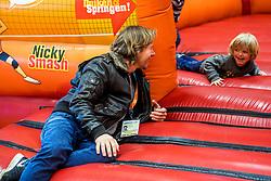 06-01-2018 NED: DELA Beach Open day 4, Den Haag<br /> Entertainment voor de jeugd in het Dela Beach Huis. Martijn