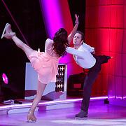 NLD/Hilversum/20130105 - 2de Liveshow Sterren Dansen op het IJs 2013, Christophe Haddad en danspartner Lauren Farr