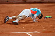 Hugo GASTON (FRA) makes up for it on its supports over the clay during the Roland Garros 2020, Grand Slam tennis tournament, on October 4, 2020 at Roland Garros stadium in Paris, France - Photo Stephane Allaman / ProSportsImages / DPPI