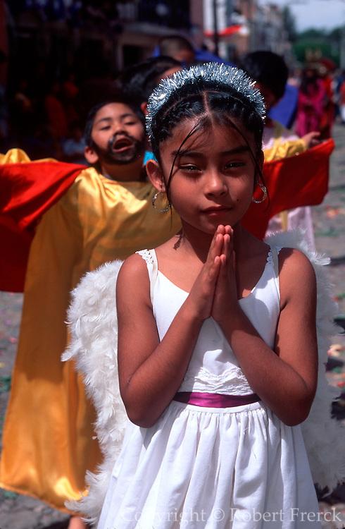 MEXICO, SAN MIGUEL, EASTER Senor de la Columna Procession, angel