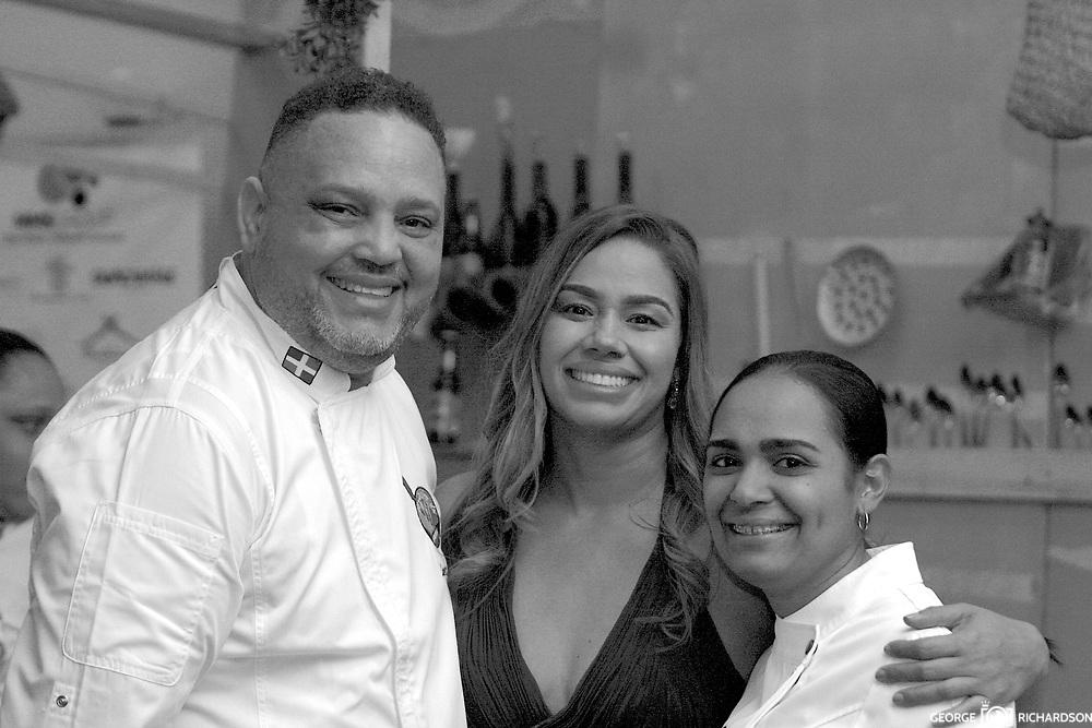 Arismedy Lopez and Angery Leonaldo, chefs and owners of La Cocina de Arismendy restaurant, sharing with chef Maria Marte, two start Michelin chef and head chef of Club Allard, in Spain. <br /> <br /> María Marte left her home in the Dominican Republic in 2003 for a by-the-hour cleaning job at a Madrid restaurant. Now she's one of Spain's most revered chefs<br /> -----------   Español   -----------<br /> Arismendy Lopez y Argery Leonardo, chef y propietario de La Cocina de Arismendy, comparte con Maria Marte, Chef principal del club Allard en Madrid y ganadora de dos Estrellas Michelin. <br /> <br /> Maria Marte dejo la Republica Dominicana en el 2003 para trabajar limpiando por hora en un restaurant. Ahora ella es una de las mas reverenciadas chef de Europa.