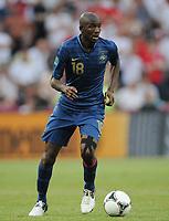 Fotball<br /> EM 2012<br /> 11.06.2012<br /> Frankrike v England<br /> Foto: Witters/Digitalsport<br /> NORWAY ONLY<br /> <br /> Alou Diarra (Frankreich)<br /> Fussball EURO 2012, Vorrunde, Gruppe D, Frankreich - England 1:1