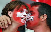 GEPA-1106086000- BASEL,SCHWEIZ,11.JUN.08 - FUSSBALL - UEFA Europameisterschaft, EURO 2008, Schweiz vs Tuerkei, SUI vs TUR, Vorberichte. Bild zeigt Fans der Schweiz.<br />Foto: GEPA pictures/ Philipp Schalber