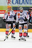 24.Feb.2012; Rapperswil-Jona; Eishockey NLA - Rapperswil-Jona Lakers - EV Zug; Damien Brunner (L) und Duri Camichel (R, Zug) jubeln<br />  (Thomas Oswald)